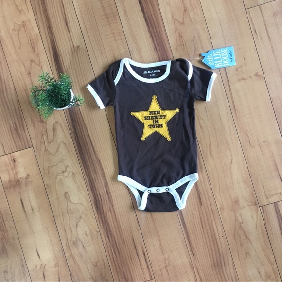 """New Baby """"New Sheriff In Town"""" Onesie 6-12 Month"""